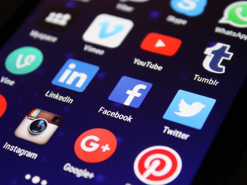 05-Social-Media