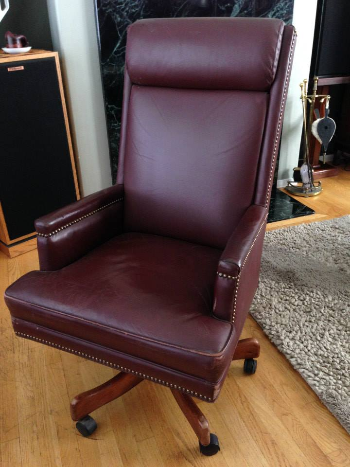 Amazing Vintage Full Grain Leather Office Chair