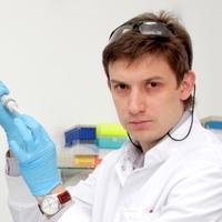Denis Axenov-gribanov