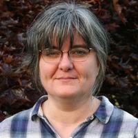 Lesley Hoyles