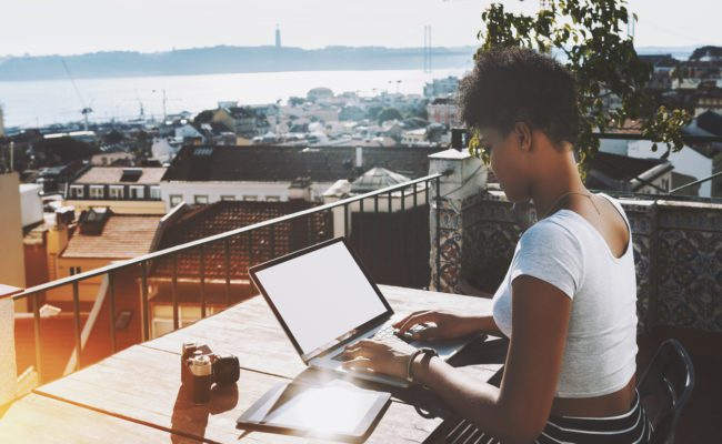 Looking For Legit Side Gigs? Use These 6 Creative Ways To Earn Over $100+ A Week   The Money Manual
