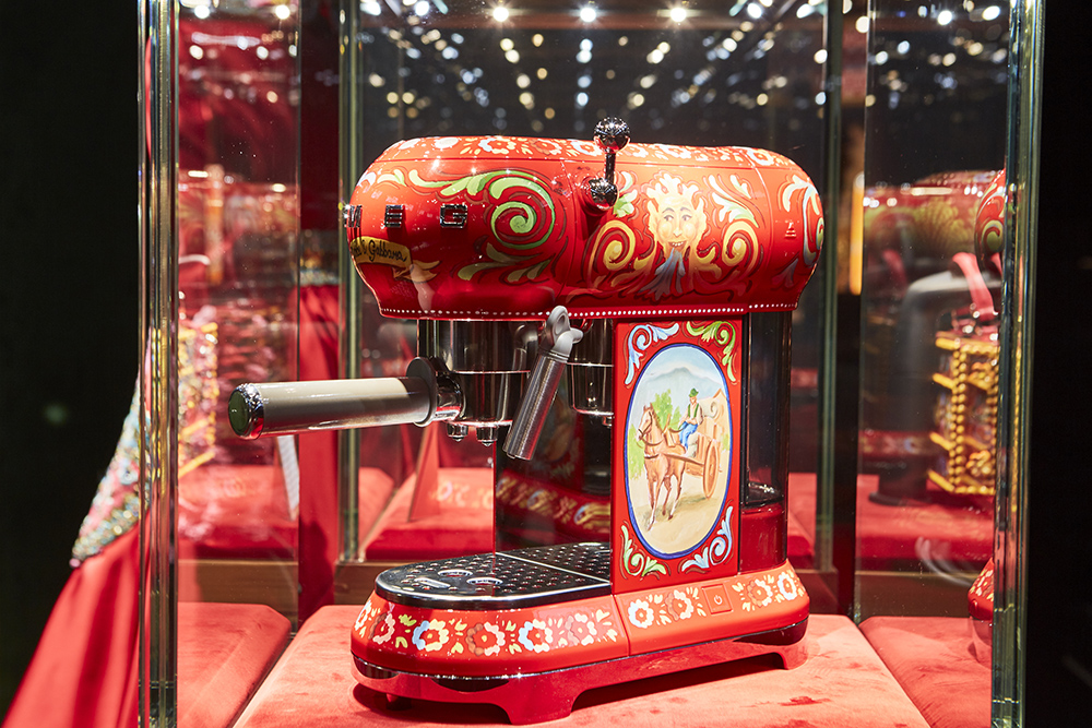 Collaboration: SMEG and Dolce & Gabbana