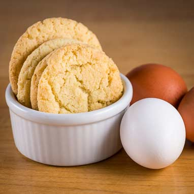Egg yolk cookies perfect company this recipe is a great and delicious way to use up leftover egg yolks from making meringues or an angel food cake forumfinder Images