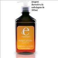 Shampoo Pretinho com Hera e Nogueira Emporio Pet Shampoo Pretinho com Hera e Nogueira - 500ml