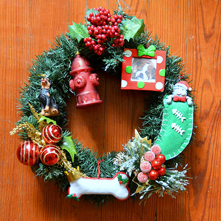 Pet-Inspired DIY Holiday Wreaths
