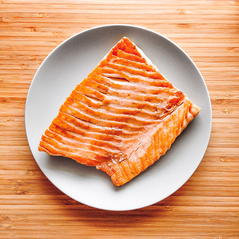 human foods for cats - cooked salmon