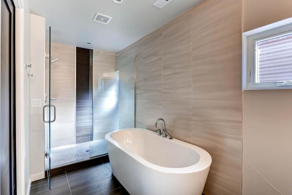 3116 w 27th ave denver co large 018 19 2nd floor master bathroom 1500x1000 72dpi