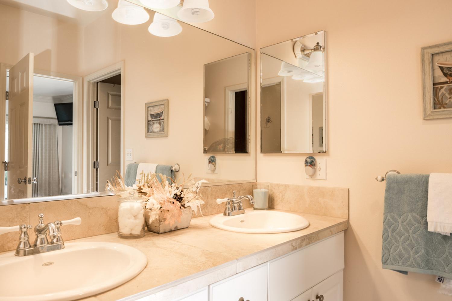 Puu lani main photos 28 master bathroom