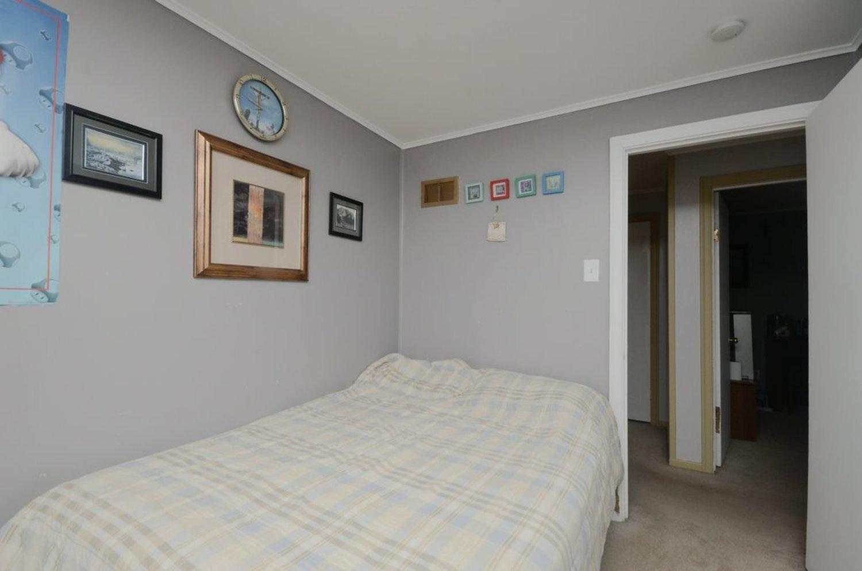 25. bedroom2 2