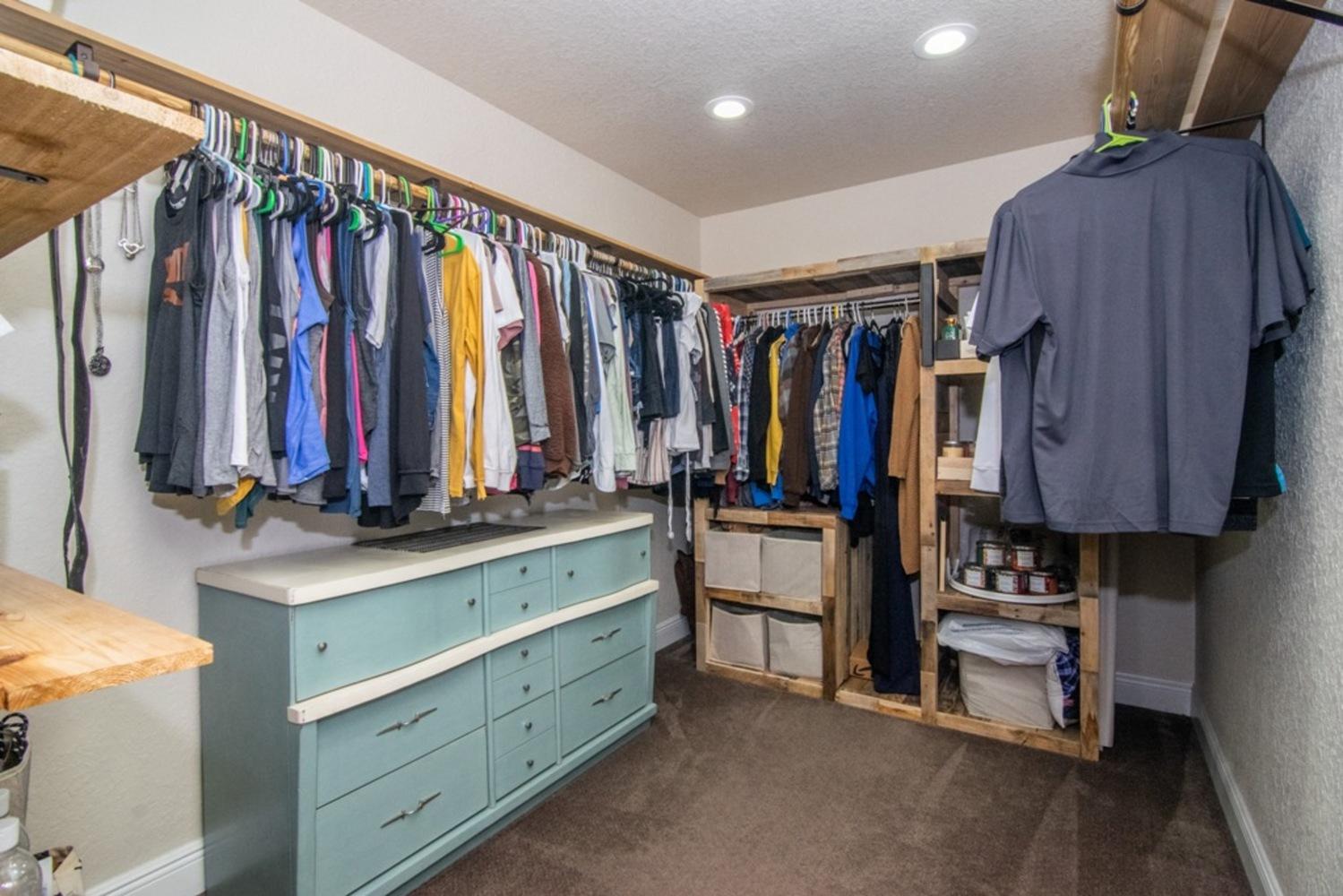 42 master closet