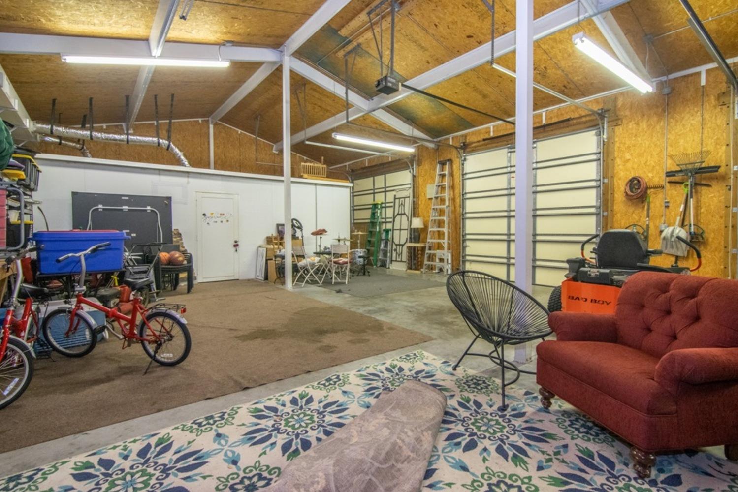 81 garage