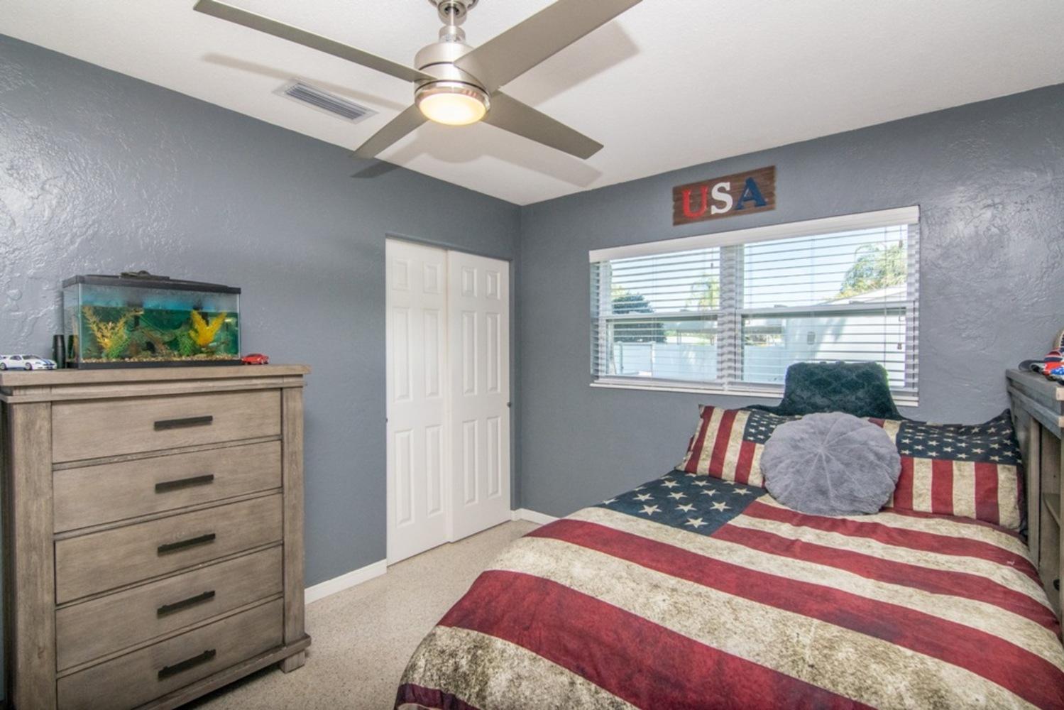 33 bedroom
