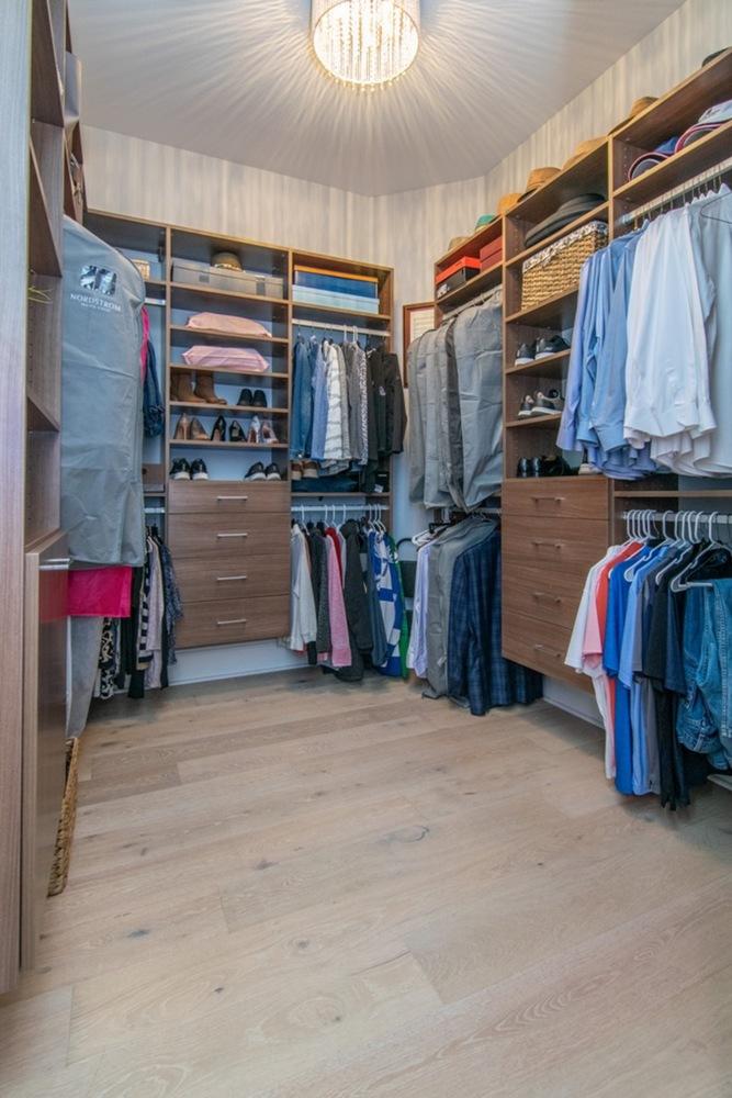 33 closet