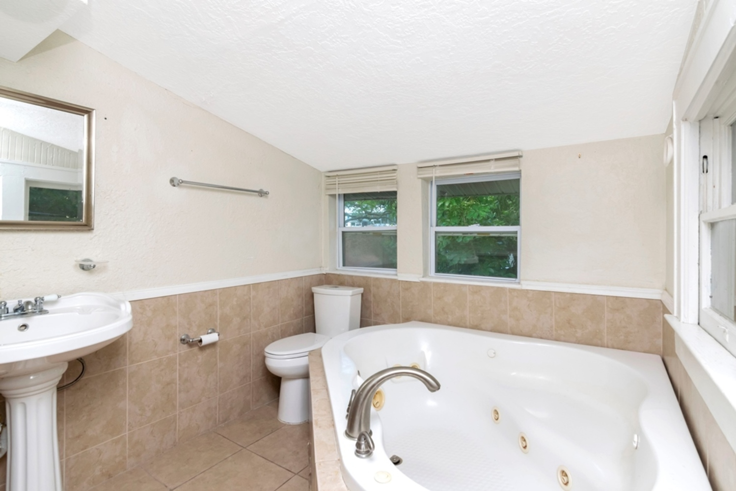 31 master bathroom