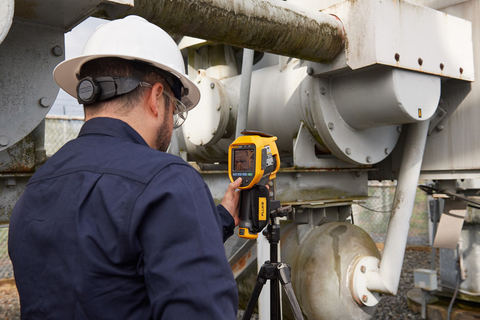 The new Fluke Ti450 SF6 Gas Leak Detector combines a high-quality infrared camera with an SF6 leak detector that visually pinpoints the location ofSF6 leaks without shutting equipment down. (Photo courtesy of Fluke Corp.)