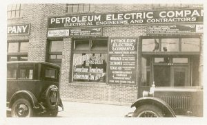 BUS_The-Petroleum-Electric-Company-now-TD-Williamson-1920's