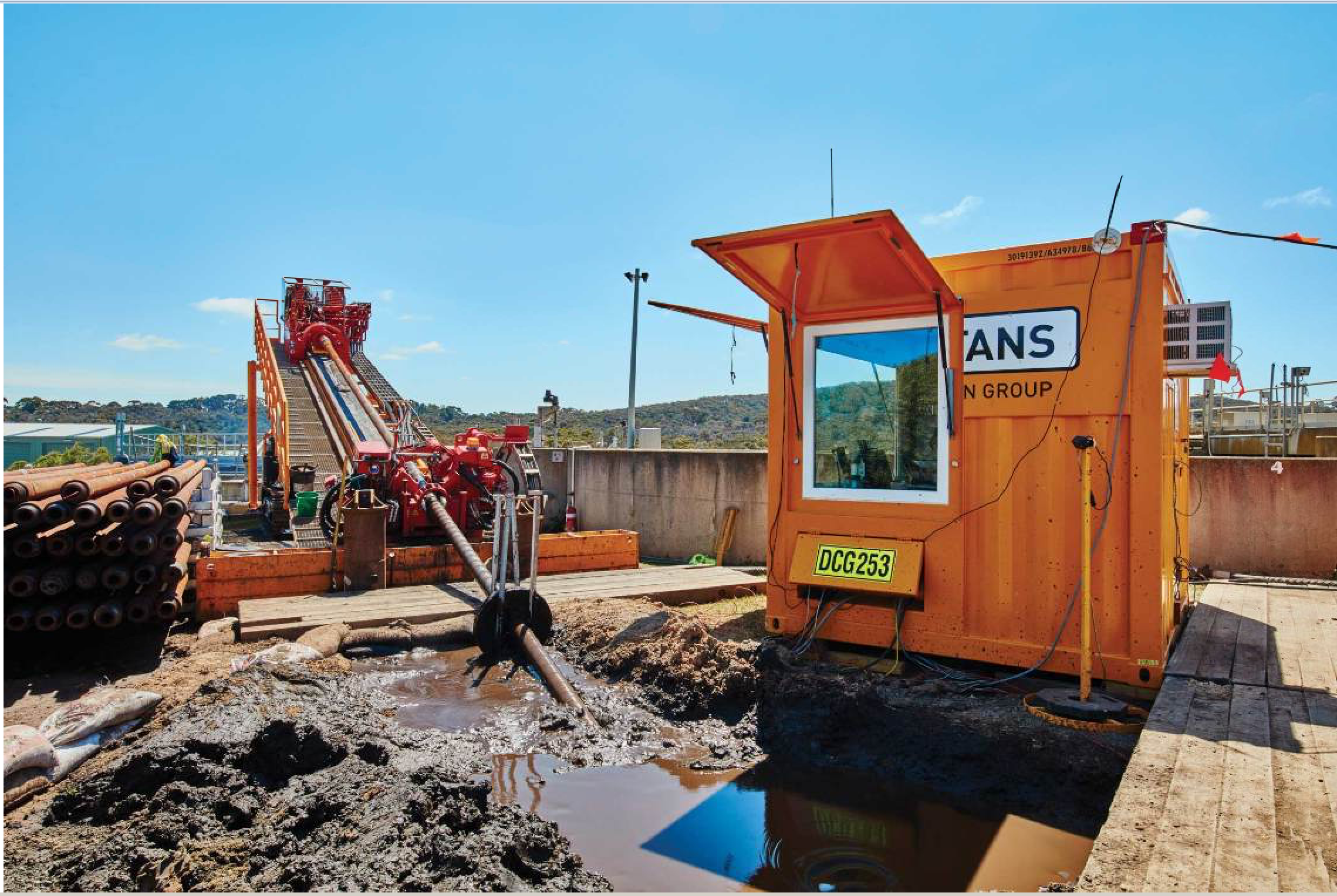 The drilling rig's 250 tons of pulling force led to early completion of a complex project.