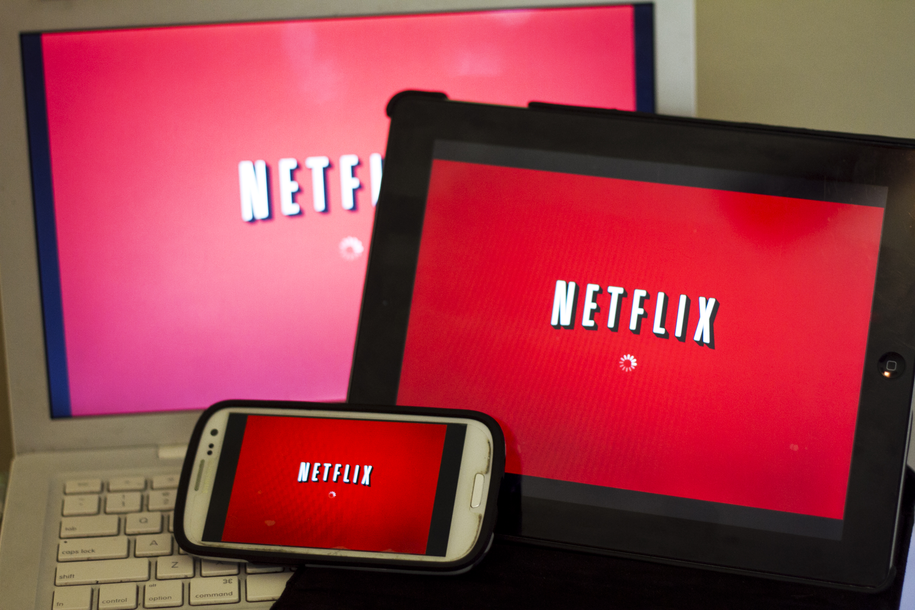 Can You Download Netflix Movies & Watch Them Offline?   It