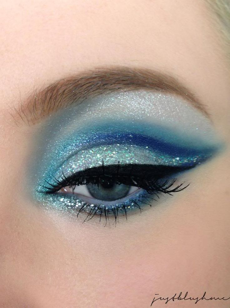 Makeup Tips for Blond Hair and Blue Eyes