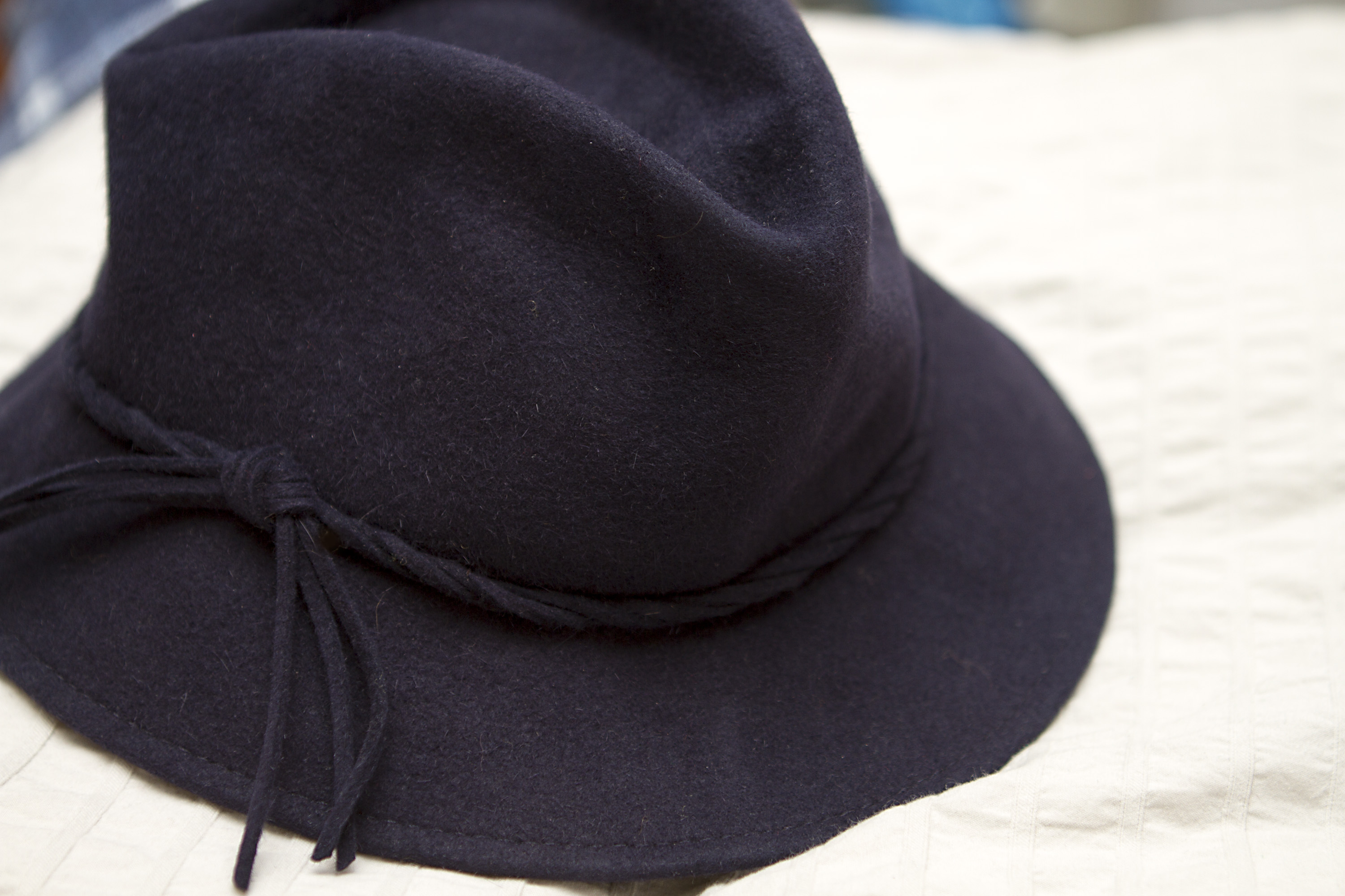 How to Restore the Shape of a Floppy Hat