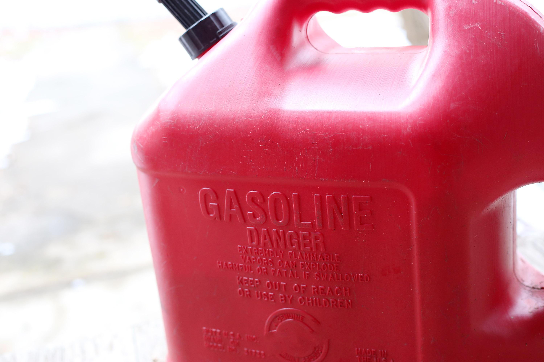 How to Drain the Gas From a Dirt Bike | It Still Runs