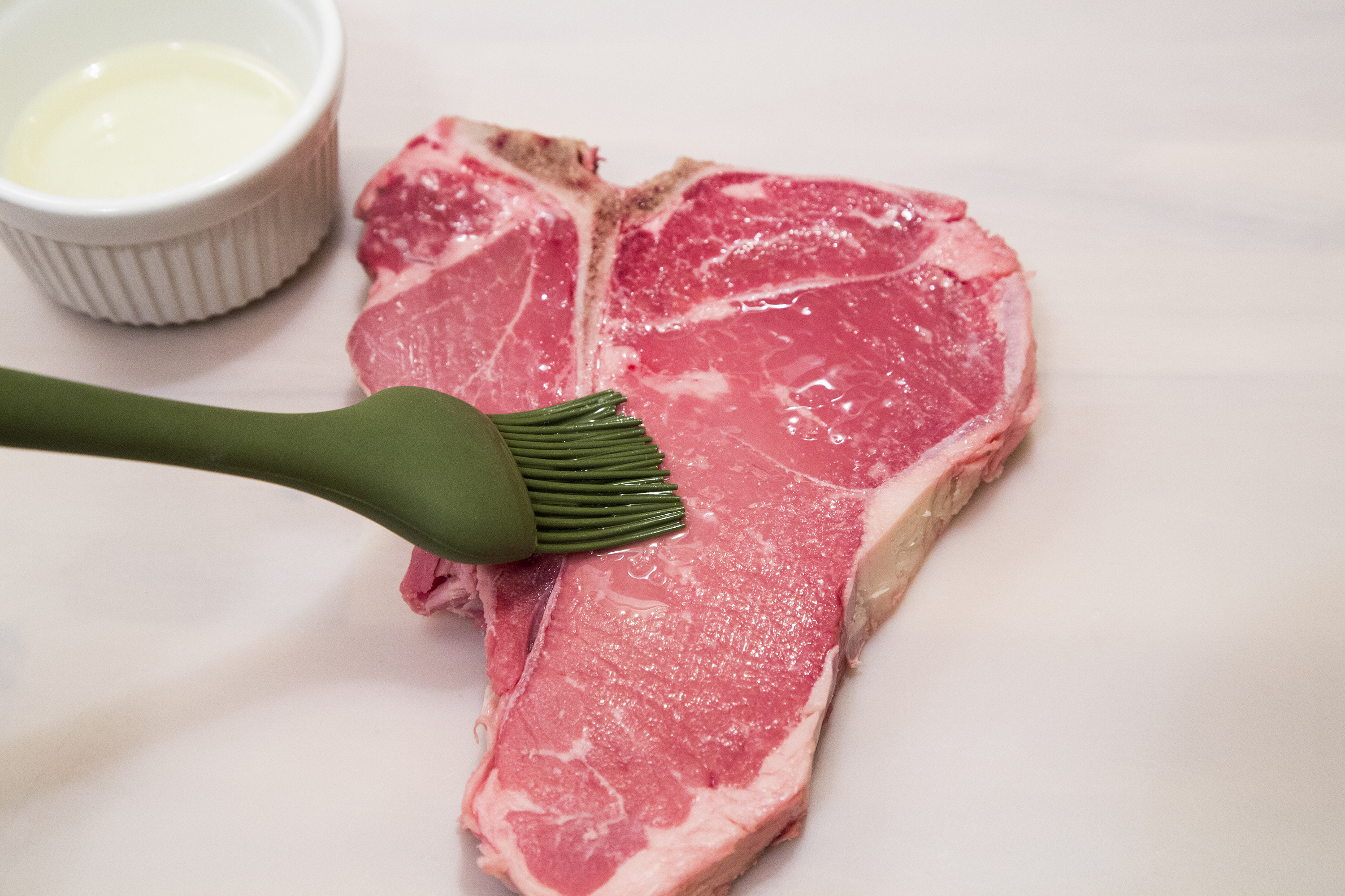 How to Cook T-Bone Steaks in a Frying Pan | LIVESTRONG.COM