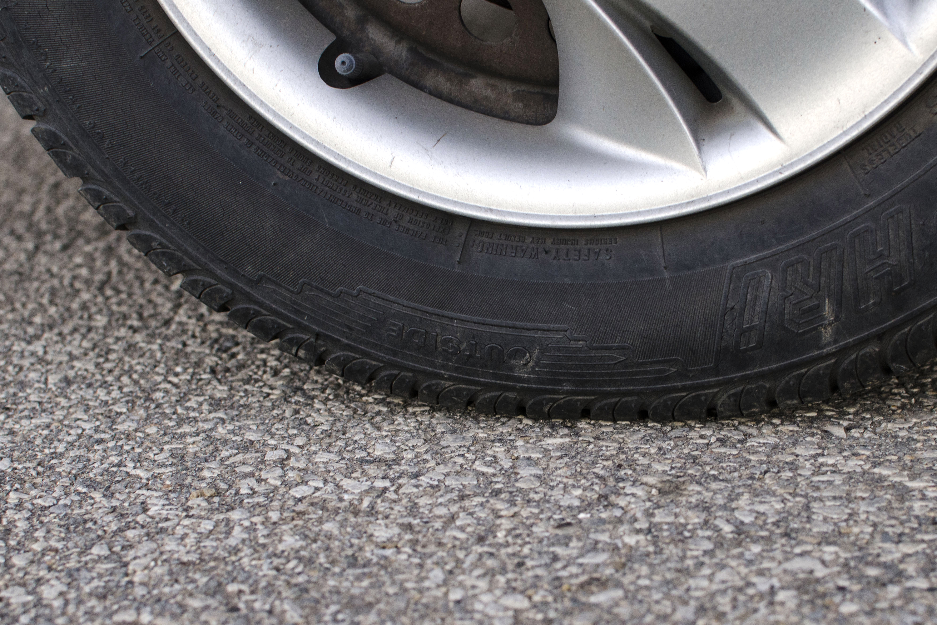 Tire Dry Rot >> How to Tell If Tires Have Dry Rot | It Still Runs