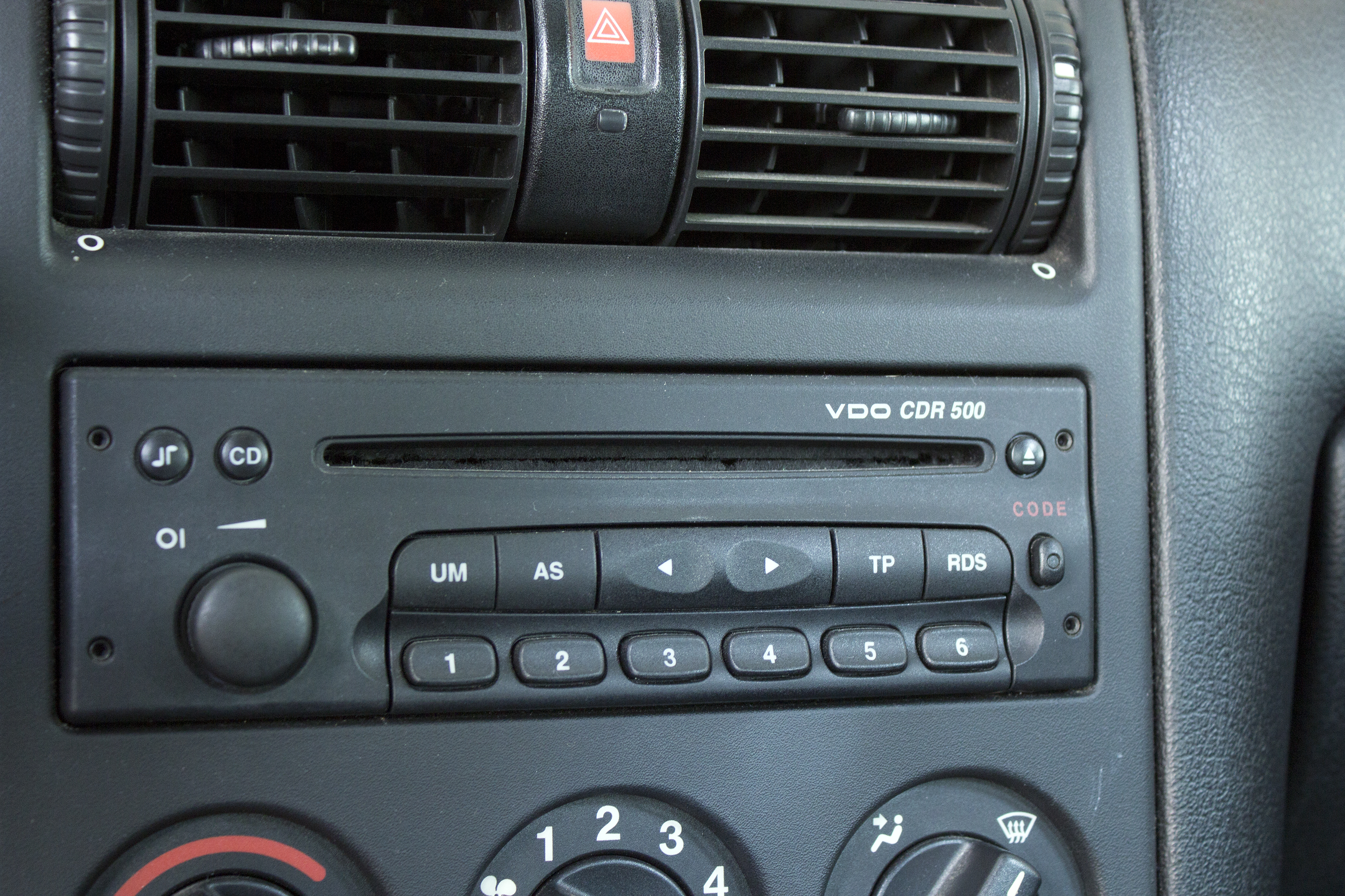 How To Troubleshoot A Car Stereo That Will Not Power It Still Runs Can Fuse Box Go Bad