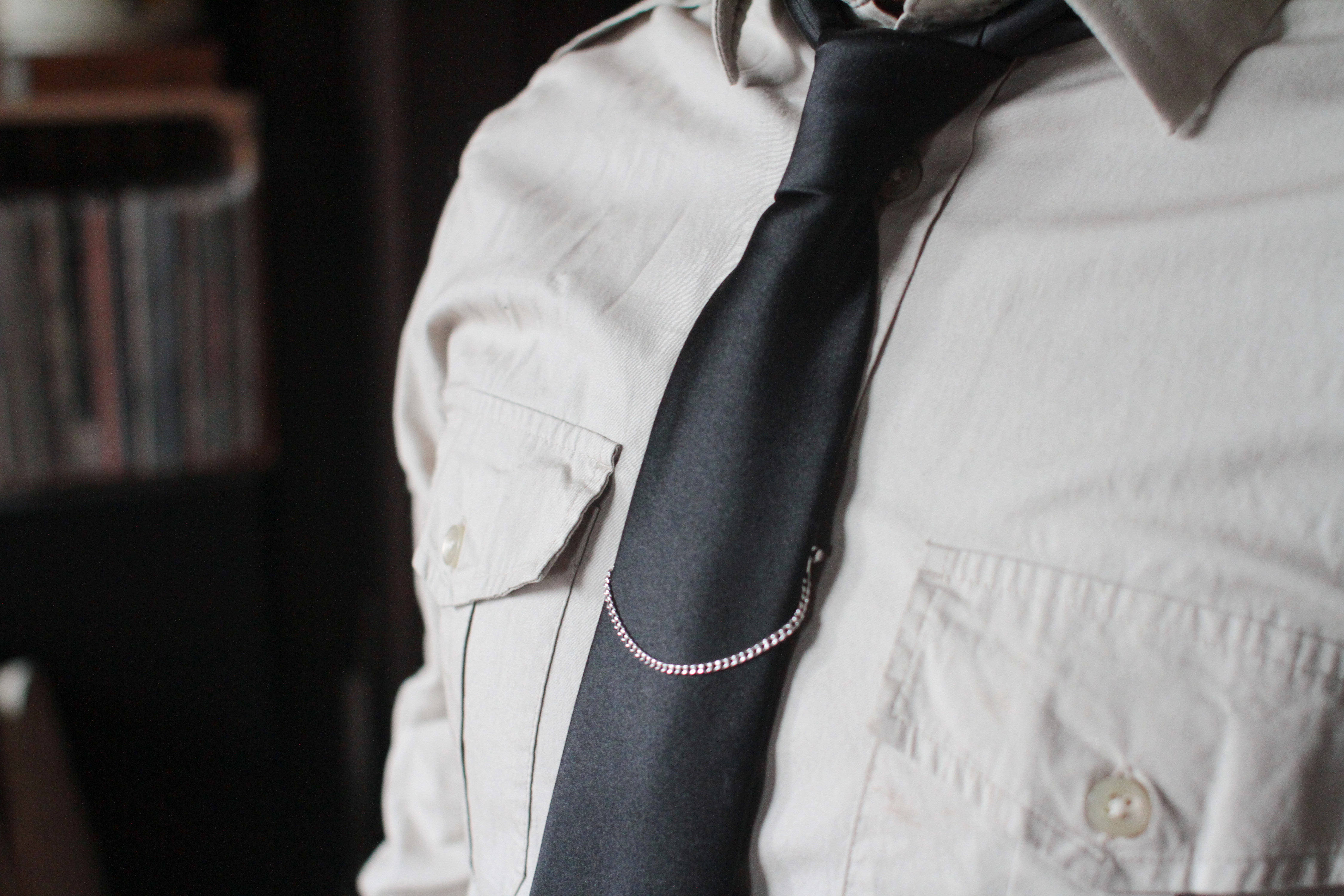 How to wear tie chains our everyday life ccuart Image collections