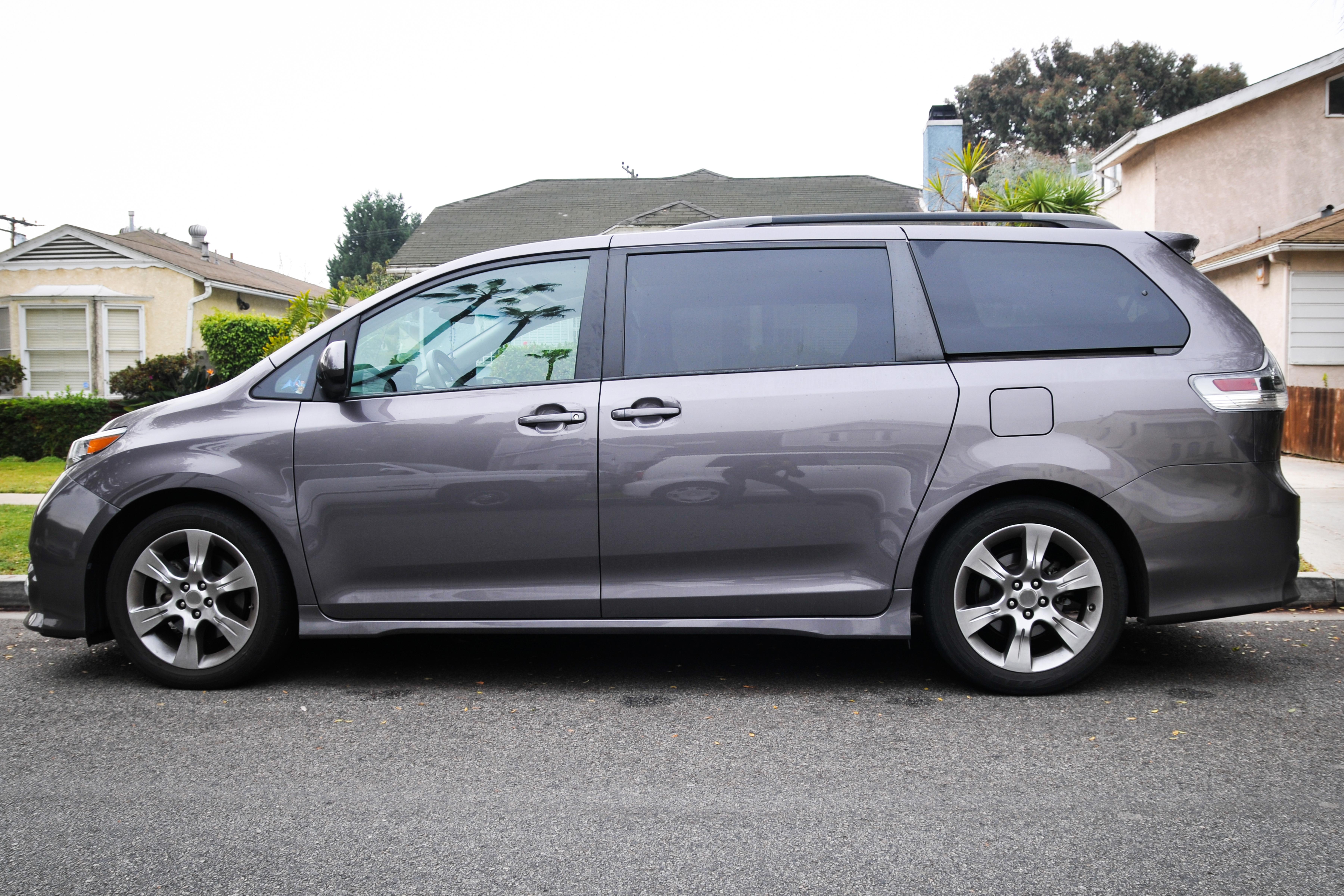Which Minivans Seat 8 Passengers?