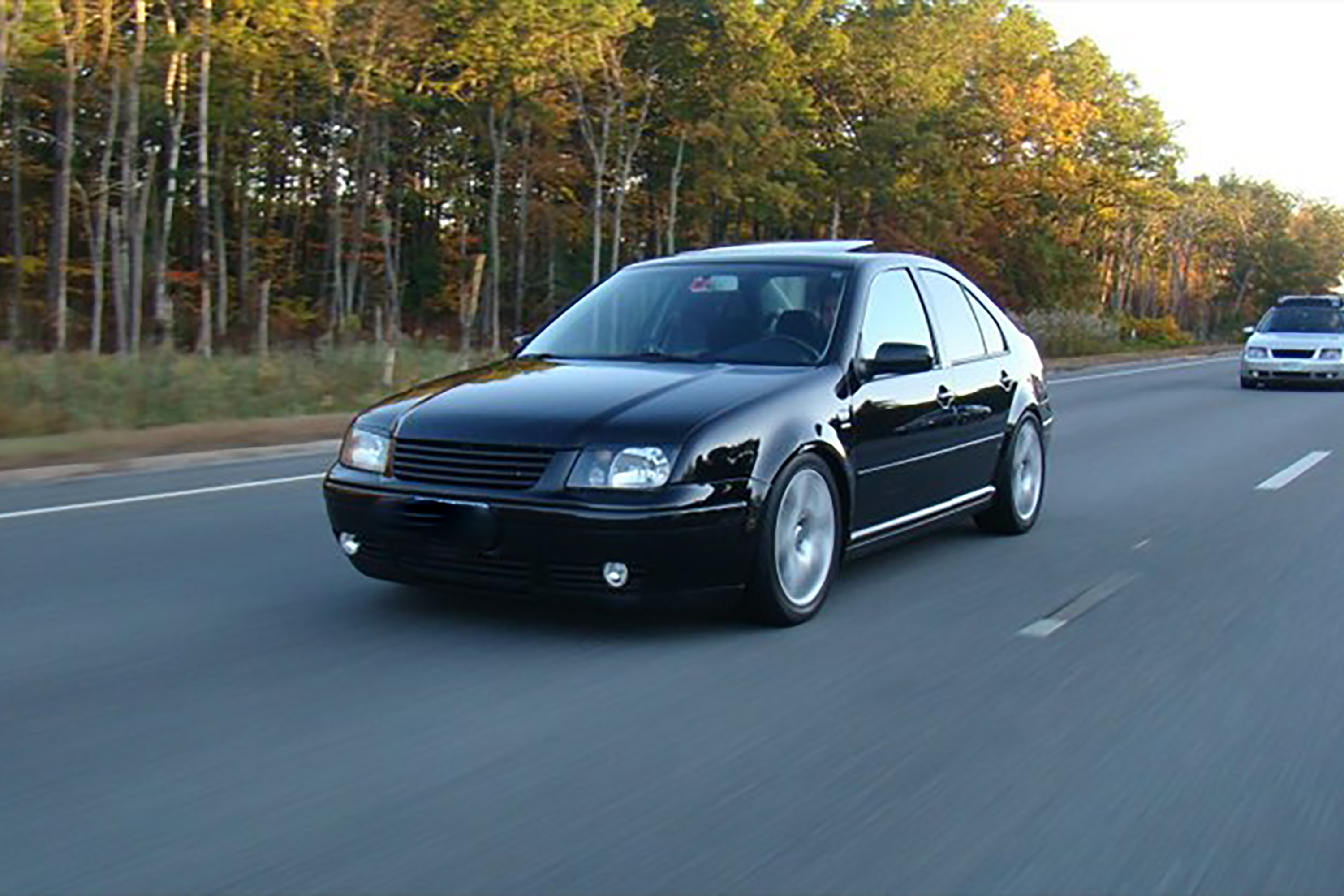 Difference between jetta gl jetta gls it still runs your the turbo gls can reach 0 60 mph in 79 seconds it earns 23 mpg in city driving and 29 mpg on the highway sciox Image collections