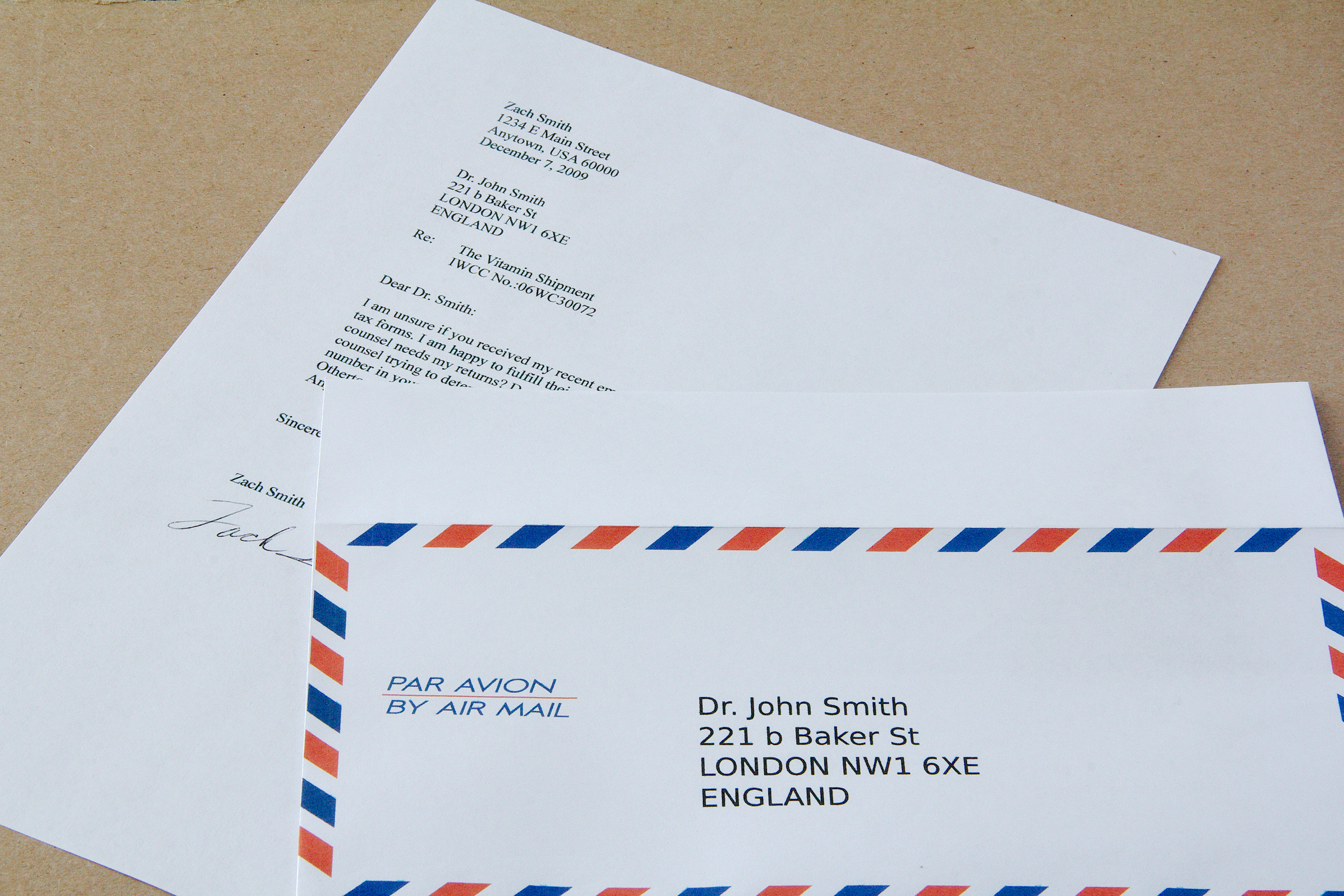 How to address envelope from Italy to US