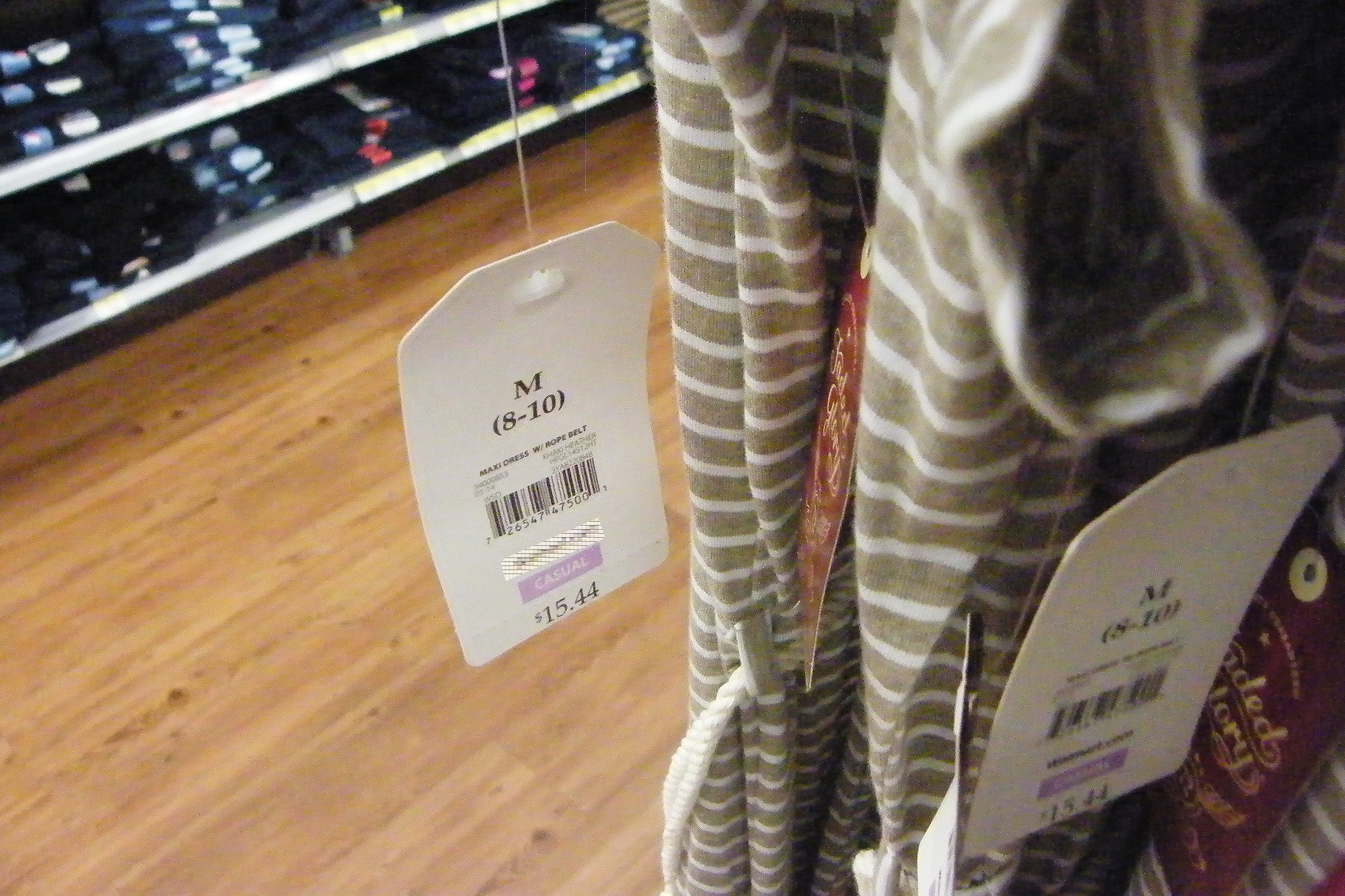 bd816af01d79 How to Attach Price Tags to Clothes | Bizfluent