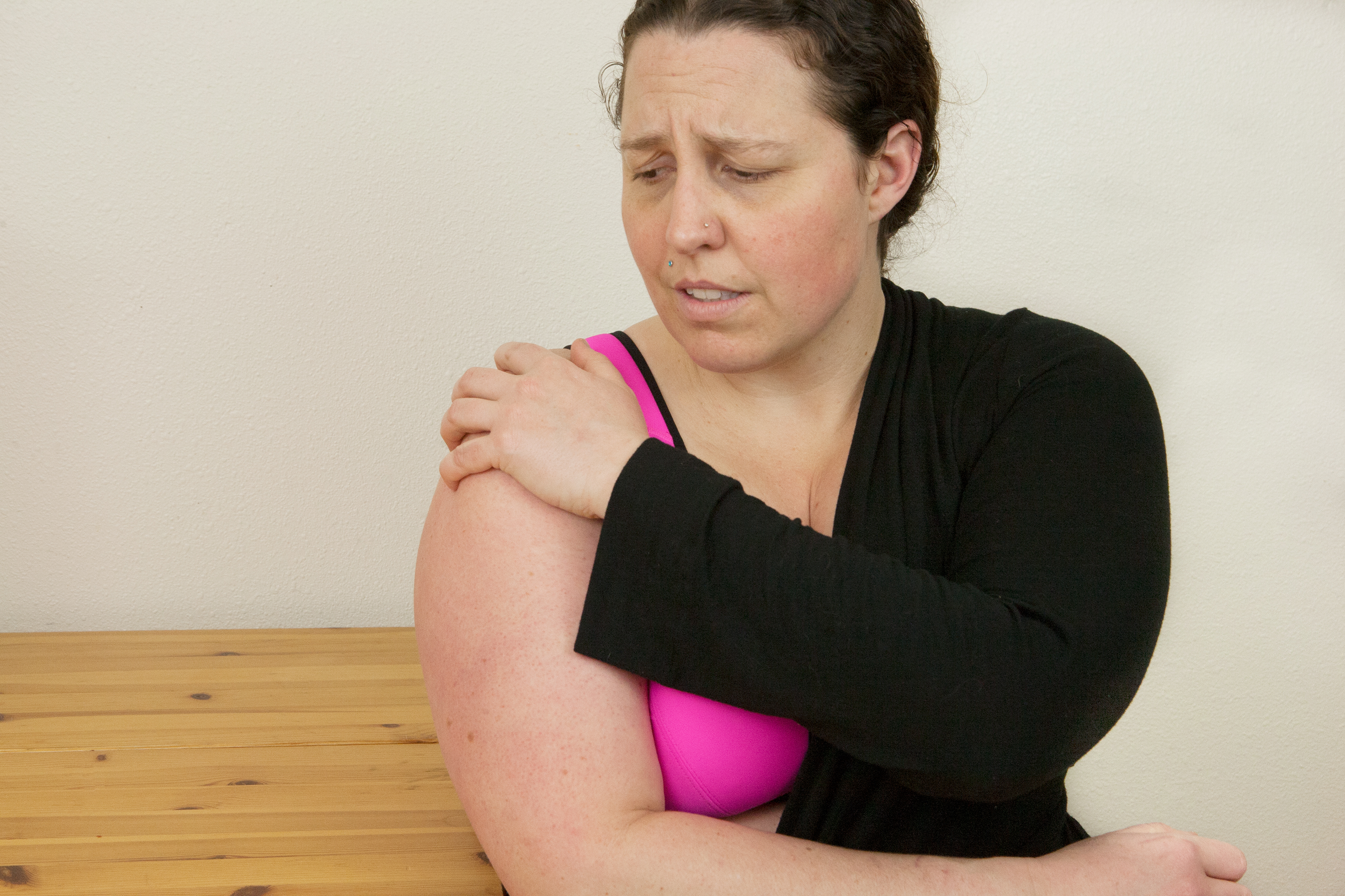 How To Apply Shoulder Injury Compression Wraps