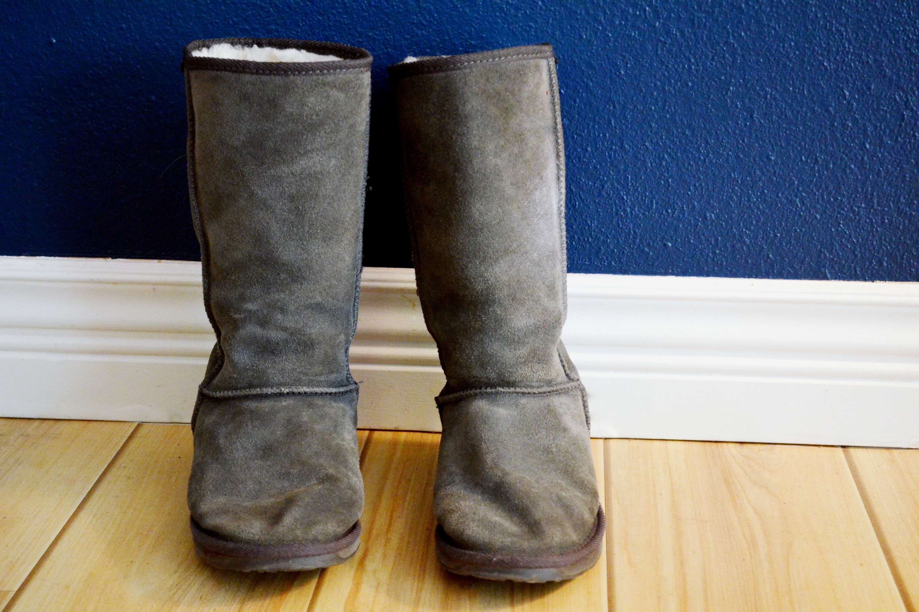c6f4dd6fcb3 How to Remove Stains on Uggs | eHow