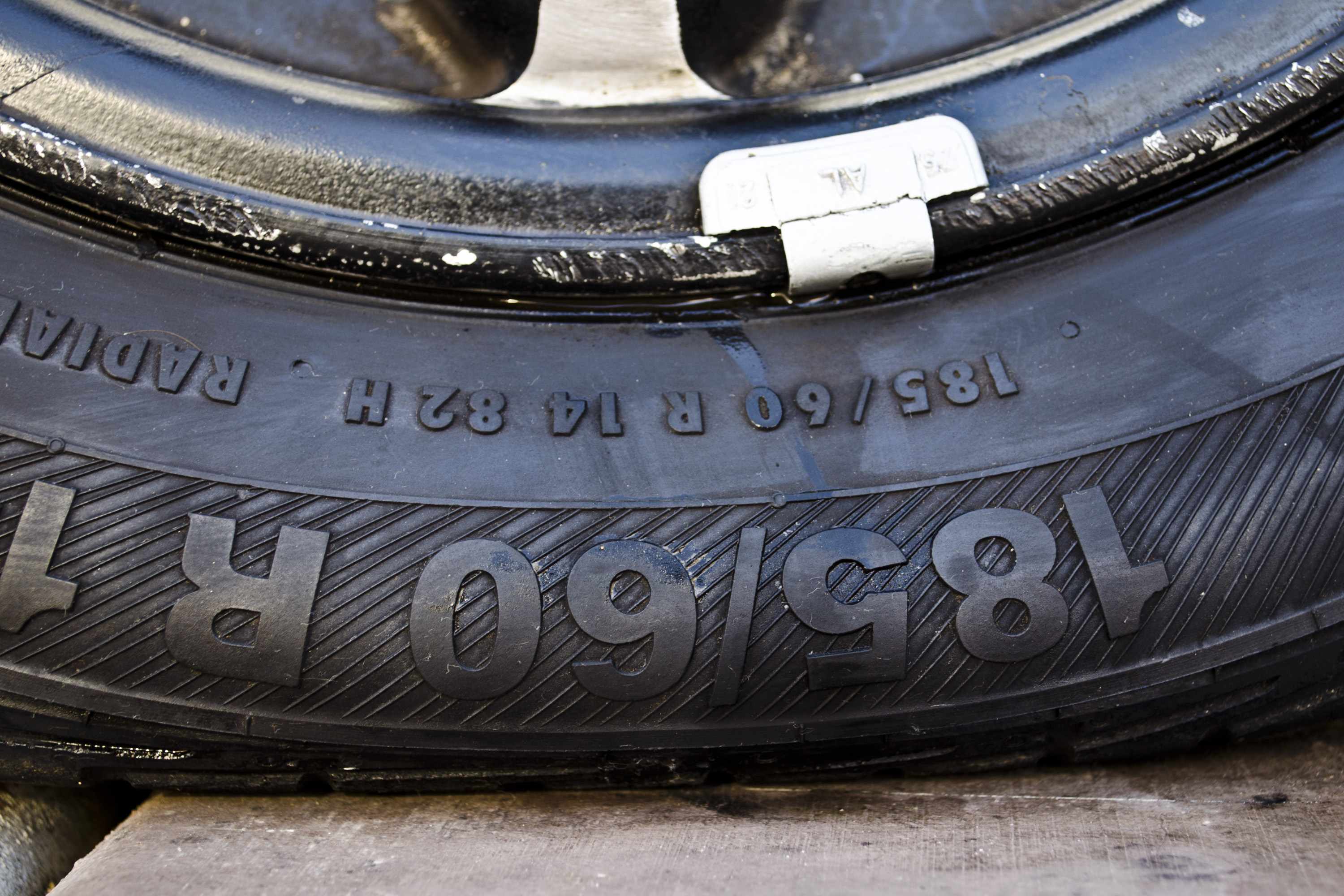 How to Fix a Tire That Is Leaking Air at the Rim | It Still Runs