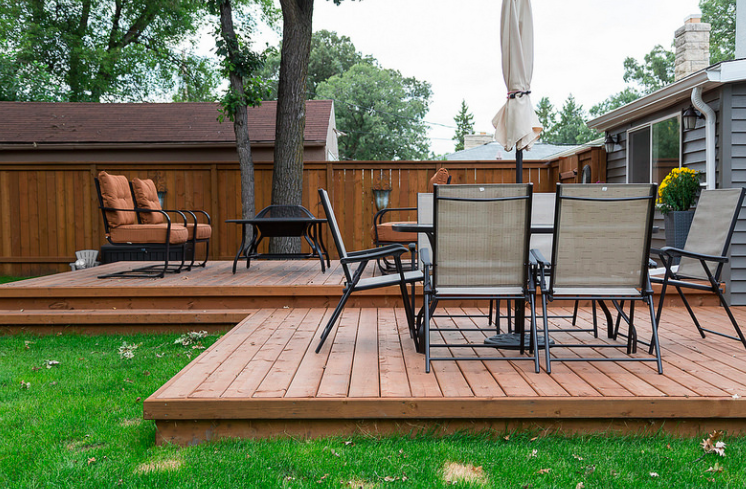 Stand Alone Deck Designs : How to build a floating wood patio deck hunker