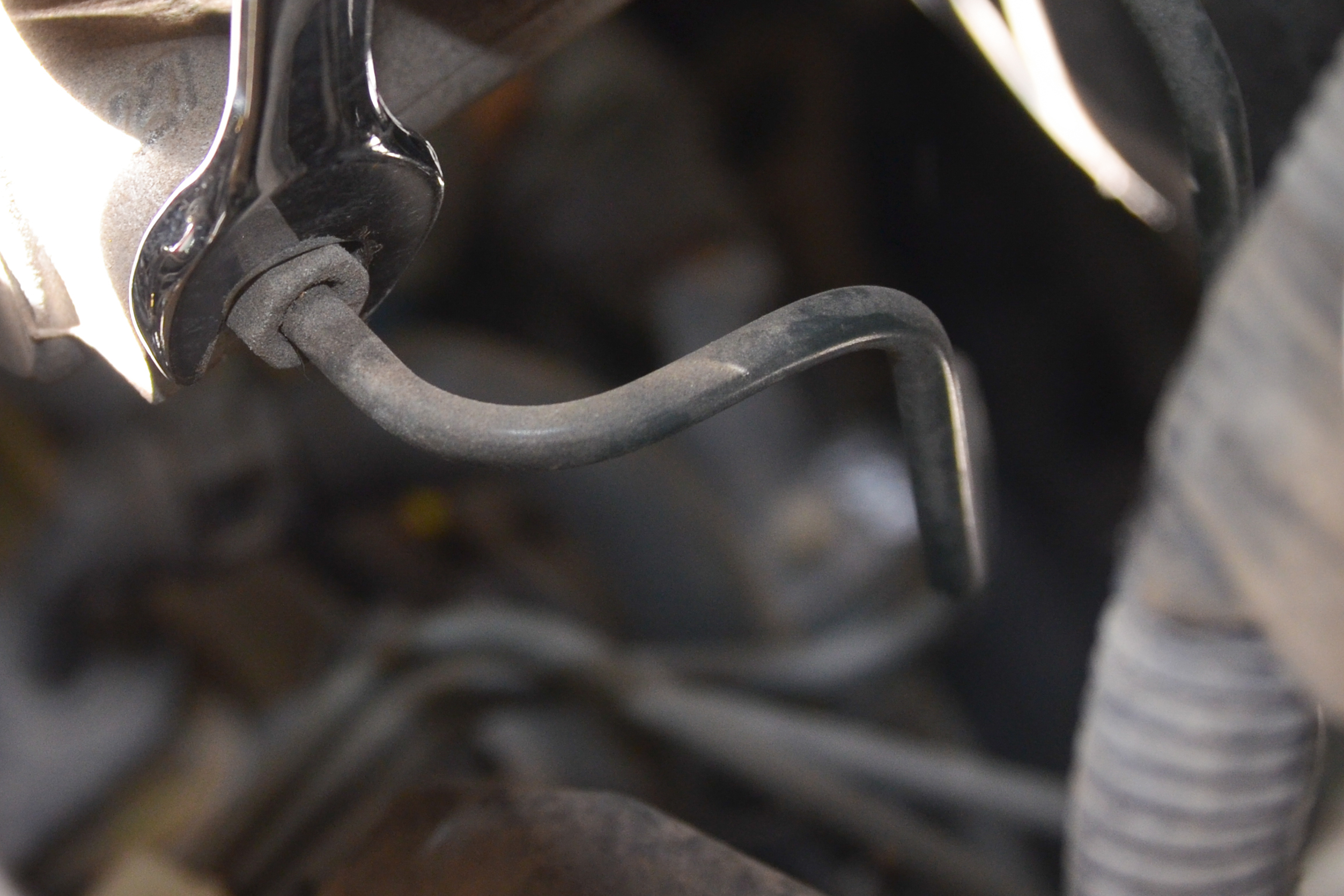 How to Bleed the Master Cylinder Without Removing it From a