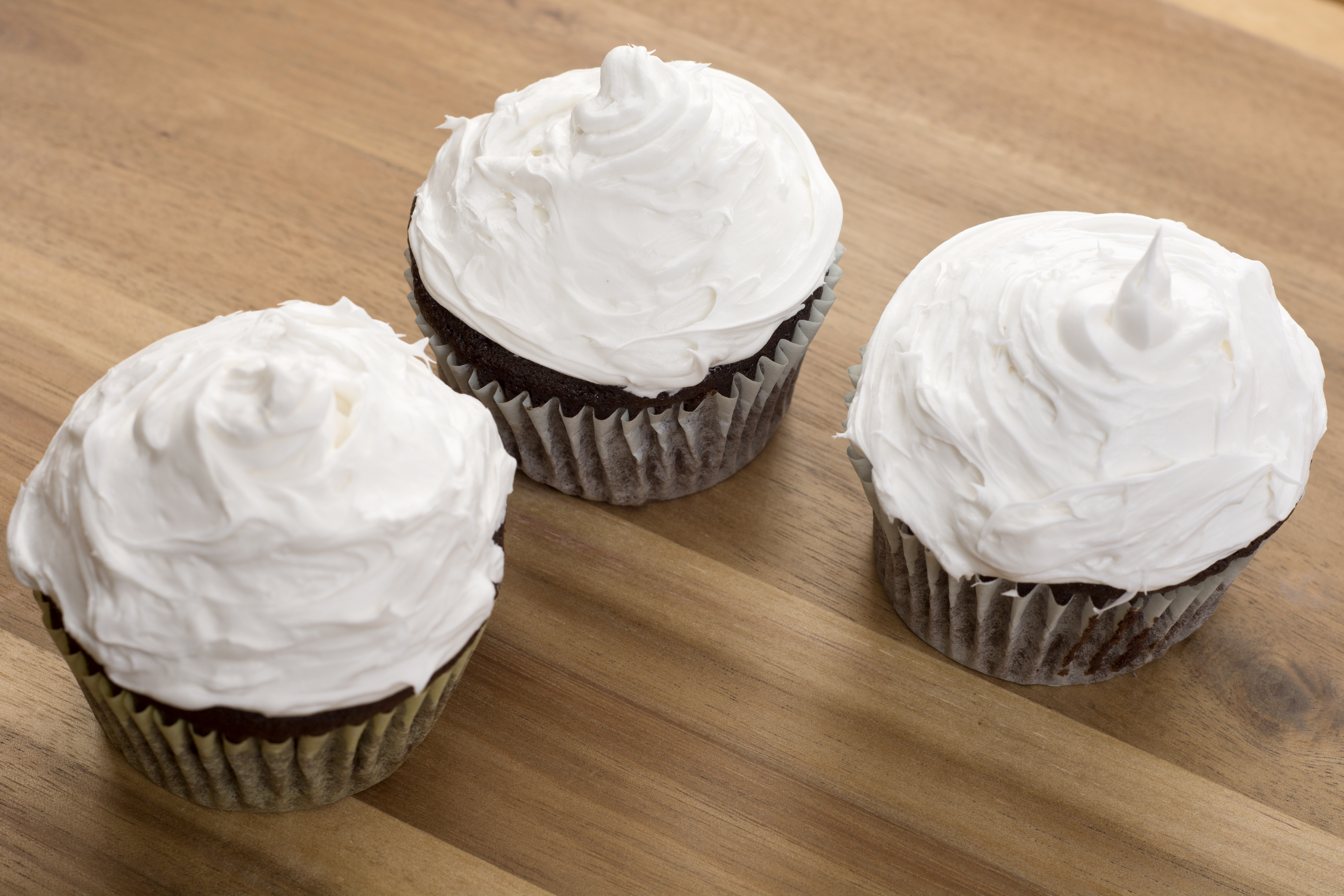 Cake Icing Recipe For Decorating: How To Make Whipped Frosting For Cake Decorating