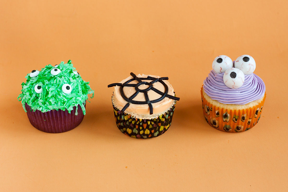 DIY Edible Halloween Cupcake Toppers | Our Everyday Life