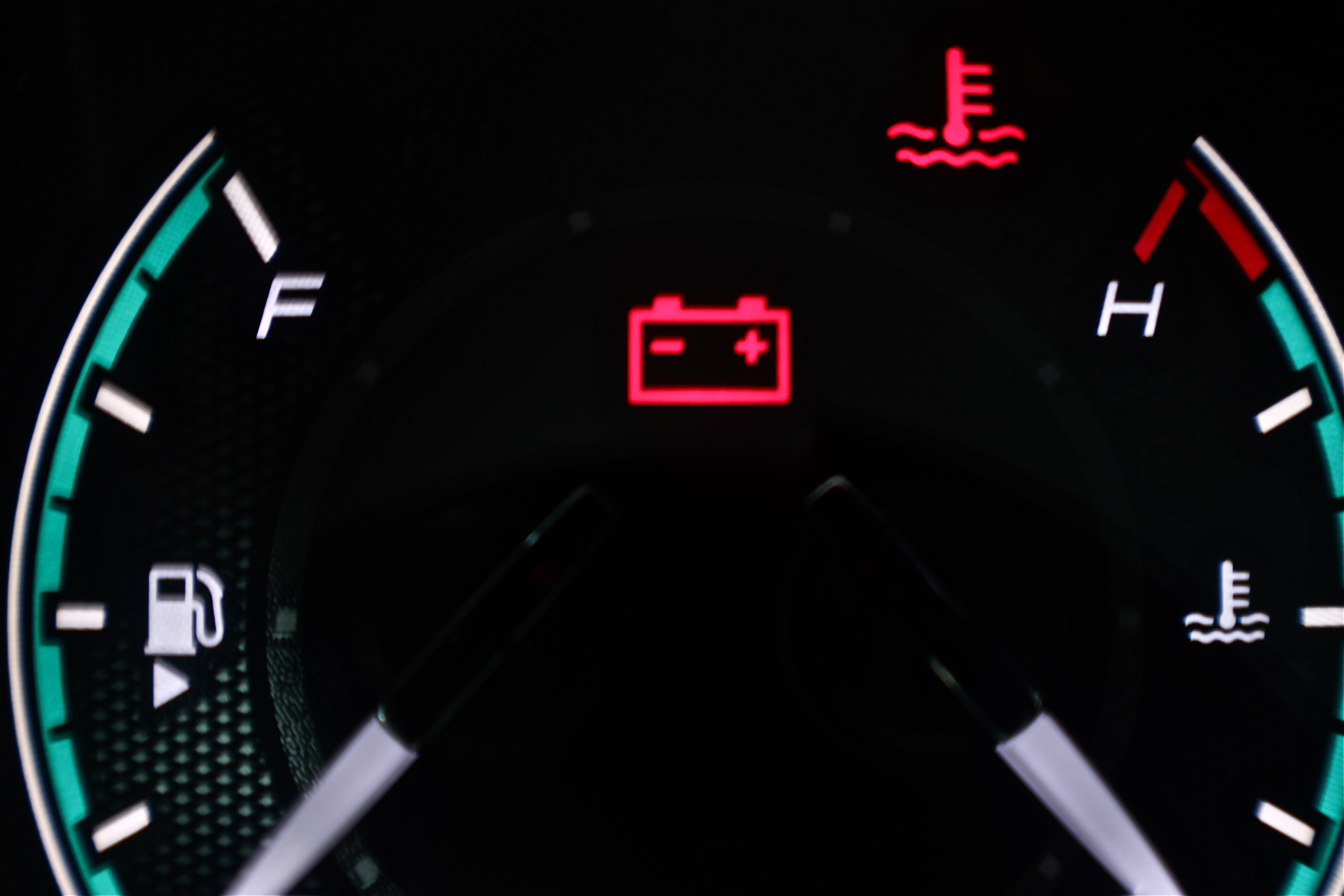 What Is the Meaning of Dashboard Warning Lights  It Still Runs
