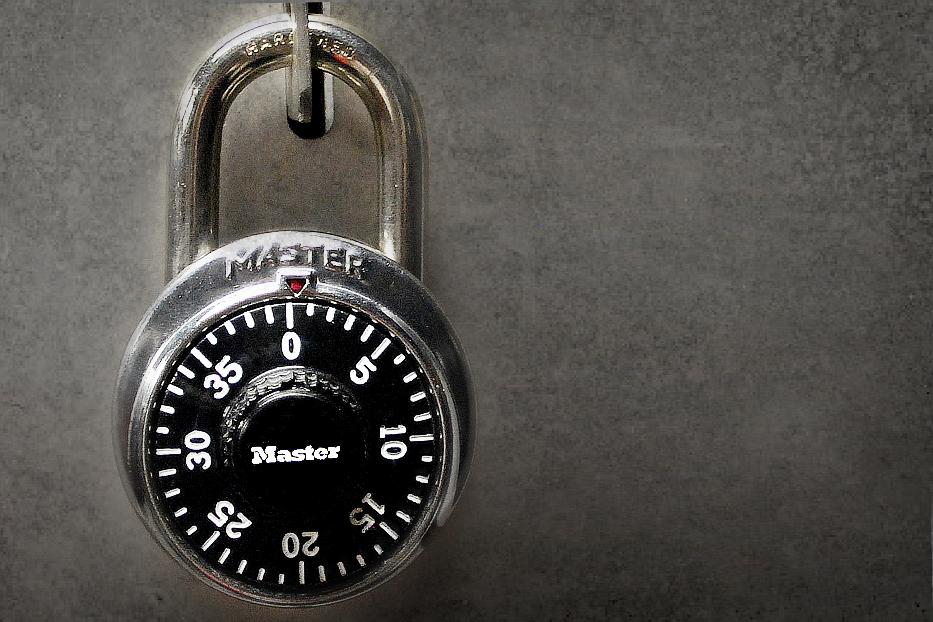 How to Pick a Padlock With a Paperclip | Our Pastimes
