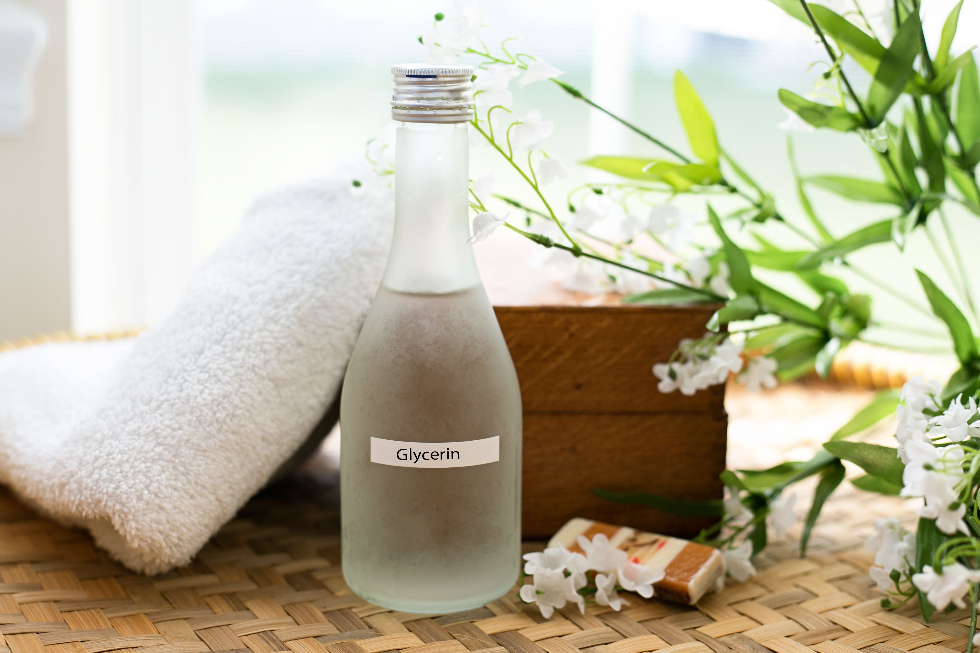 Homemade Glycerin Moisturizer | LEAFtv