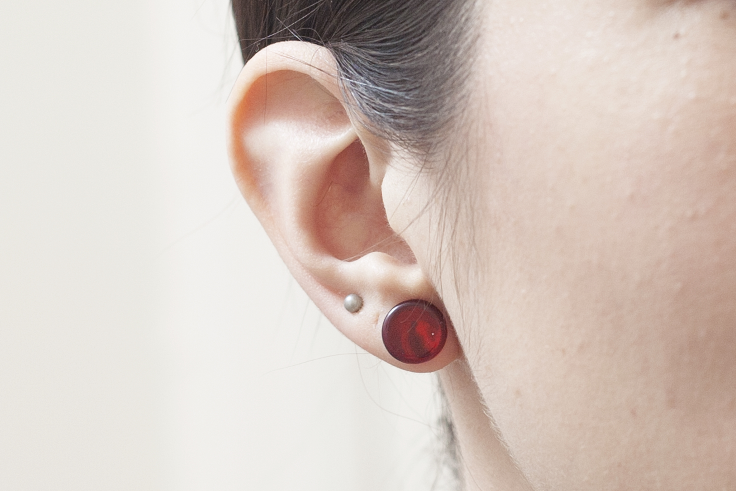 How To Remove Pierced Earrings From Your Ear Our Everyday Life