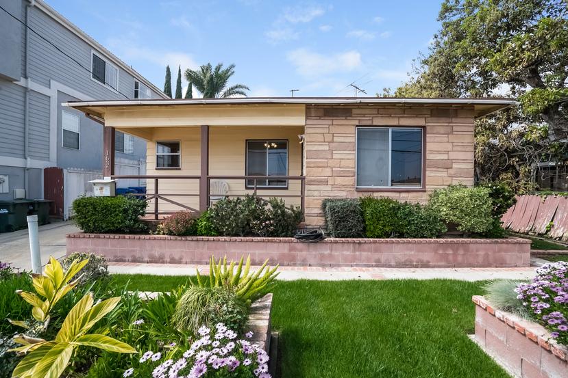 1635 Wollacott St Redondo Beach CA 90278