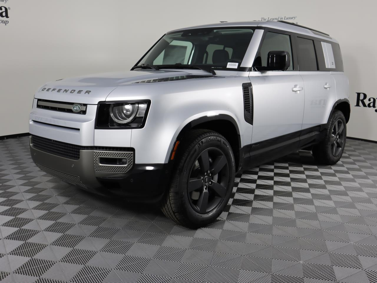 New 2021 Land Rover Defender 110 X-Dynamic SE