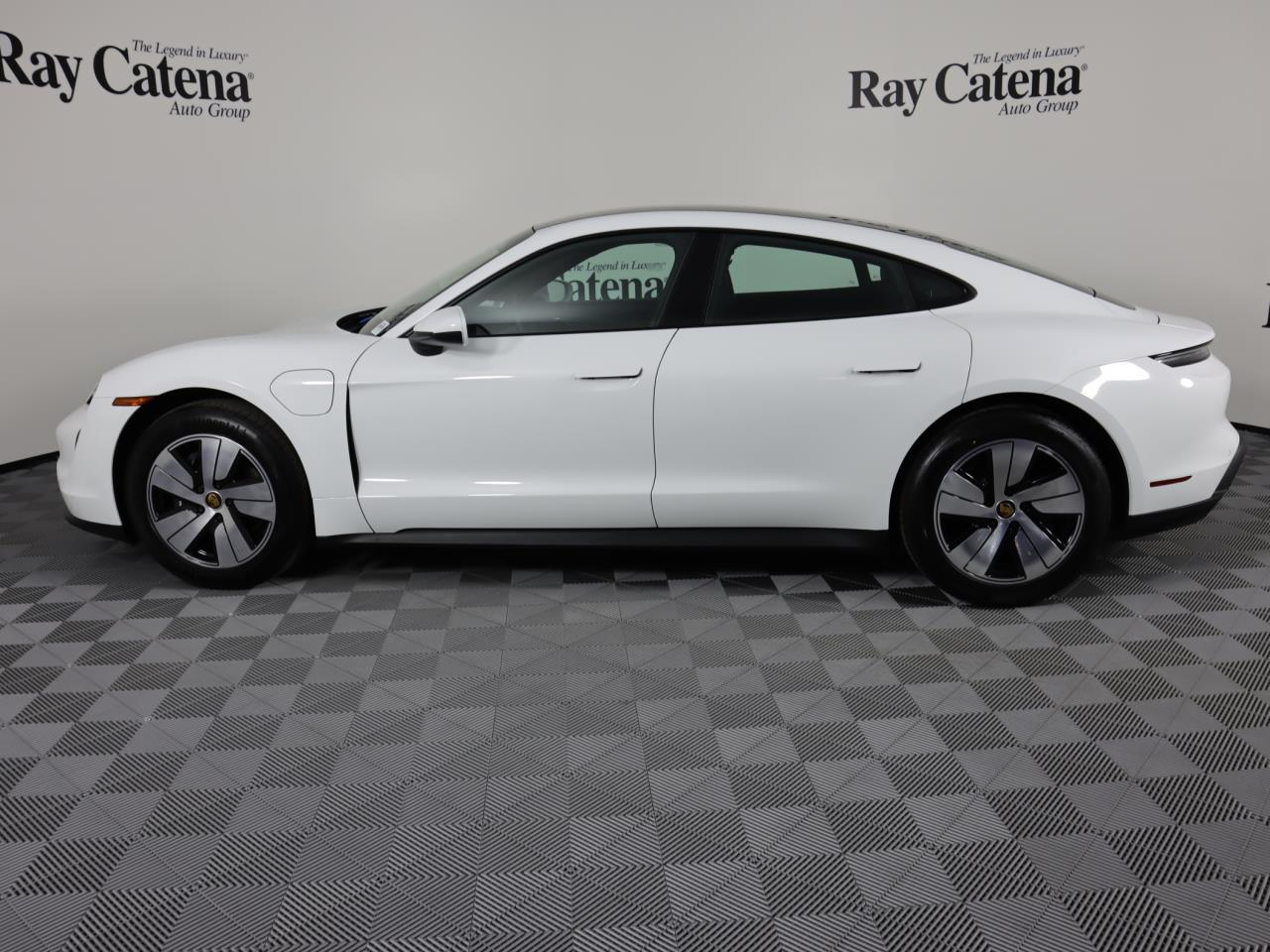 Pre-Owned 2021 Porsche Taycan