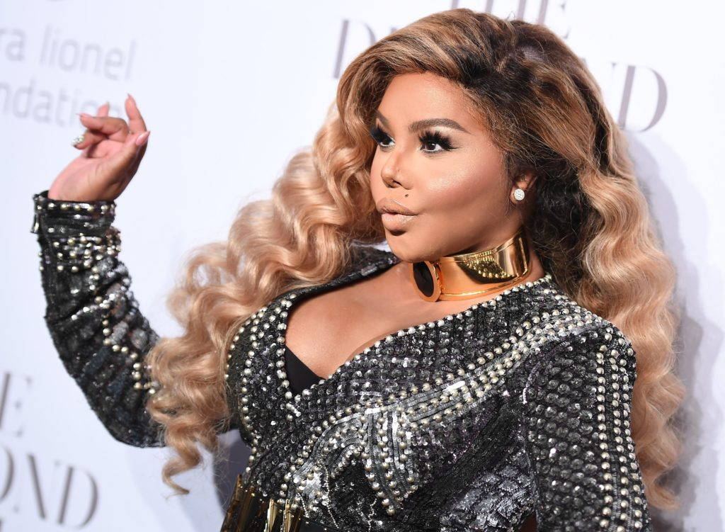 Lil' Kim Explores New Sound on Long-Awaited '9'