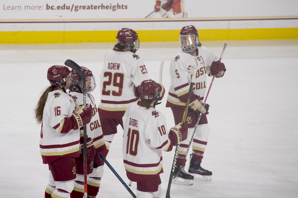 Eagles Suffer First Loss of Season, Fall to Huskies