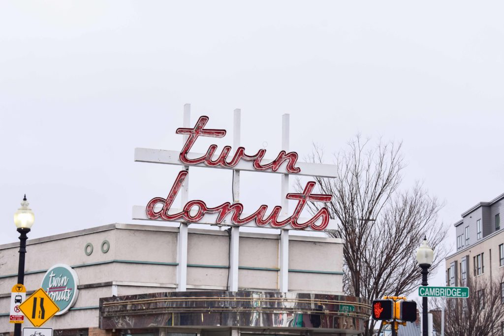 Twin Donuts Satisfies Sweet Tooth